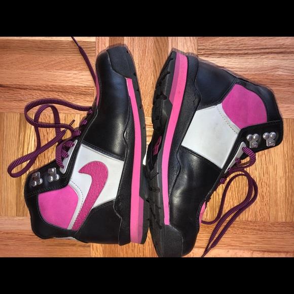 Nike air high top sneakers exclusive pink & black